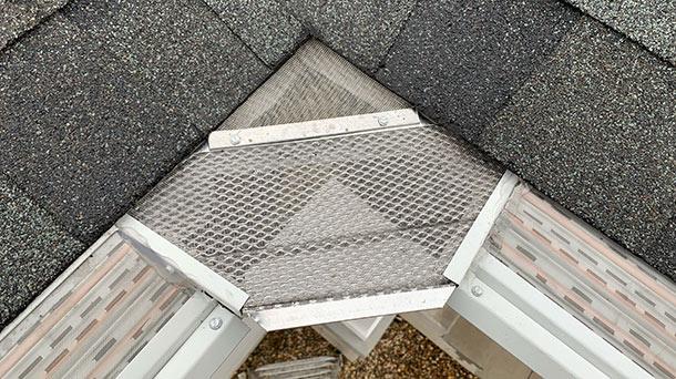 gutter-filter-specialists-cedar-rapids-iowa-inside-corner-pan